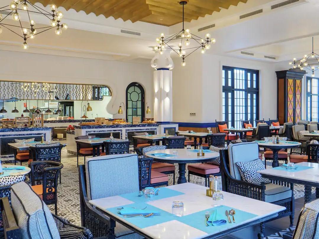 SAii breakfast-at-cafe-del-mar