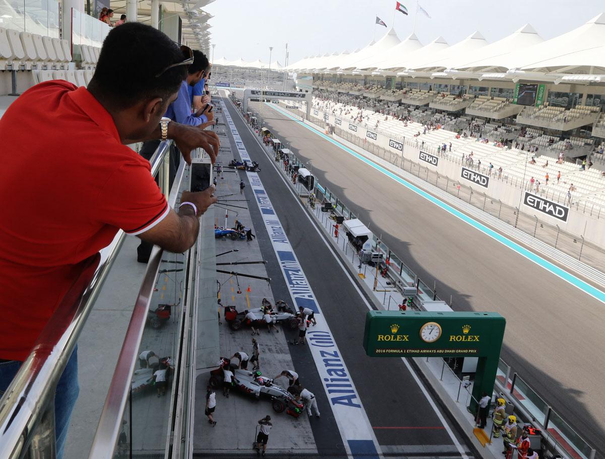 F1-Experience-Abu-Dhabi-Legend view