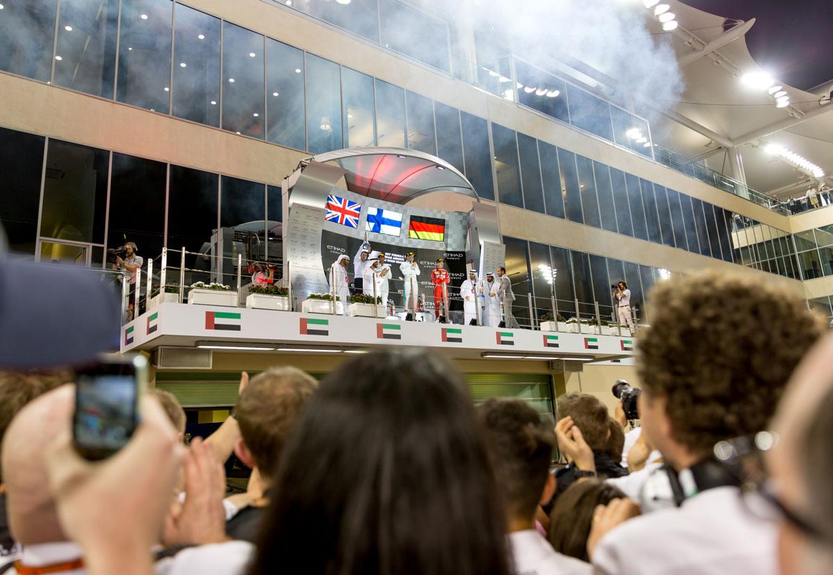 F1-Experience-Abu-Dhabi-Legend podium