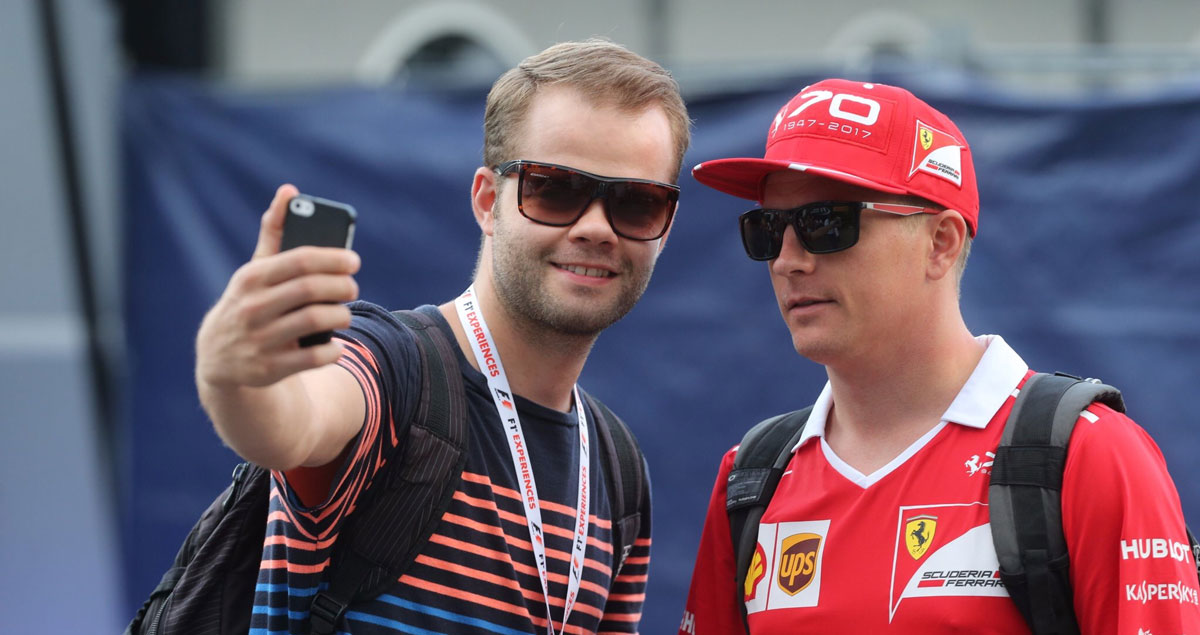 F1-Experiences-Guided-Paddock