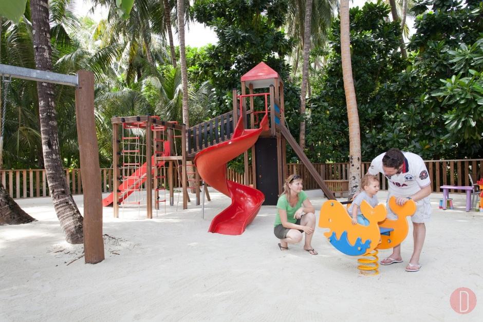 Vilamendhoo Childrens Playground
